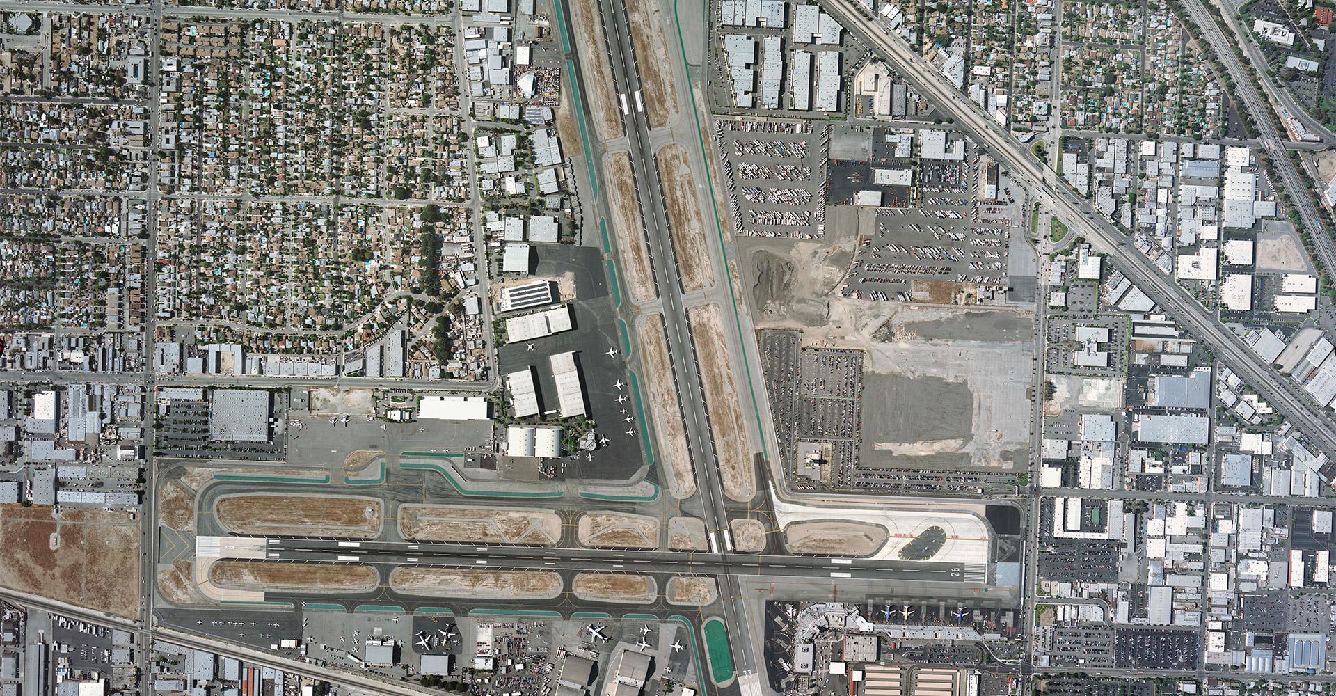 Aerial photo of Bob Hope Airport.