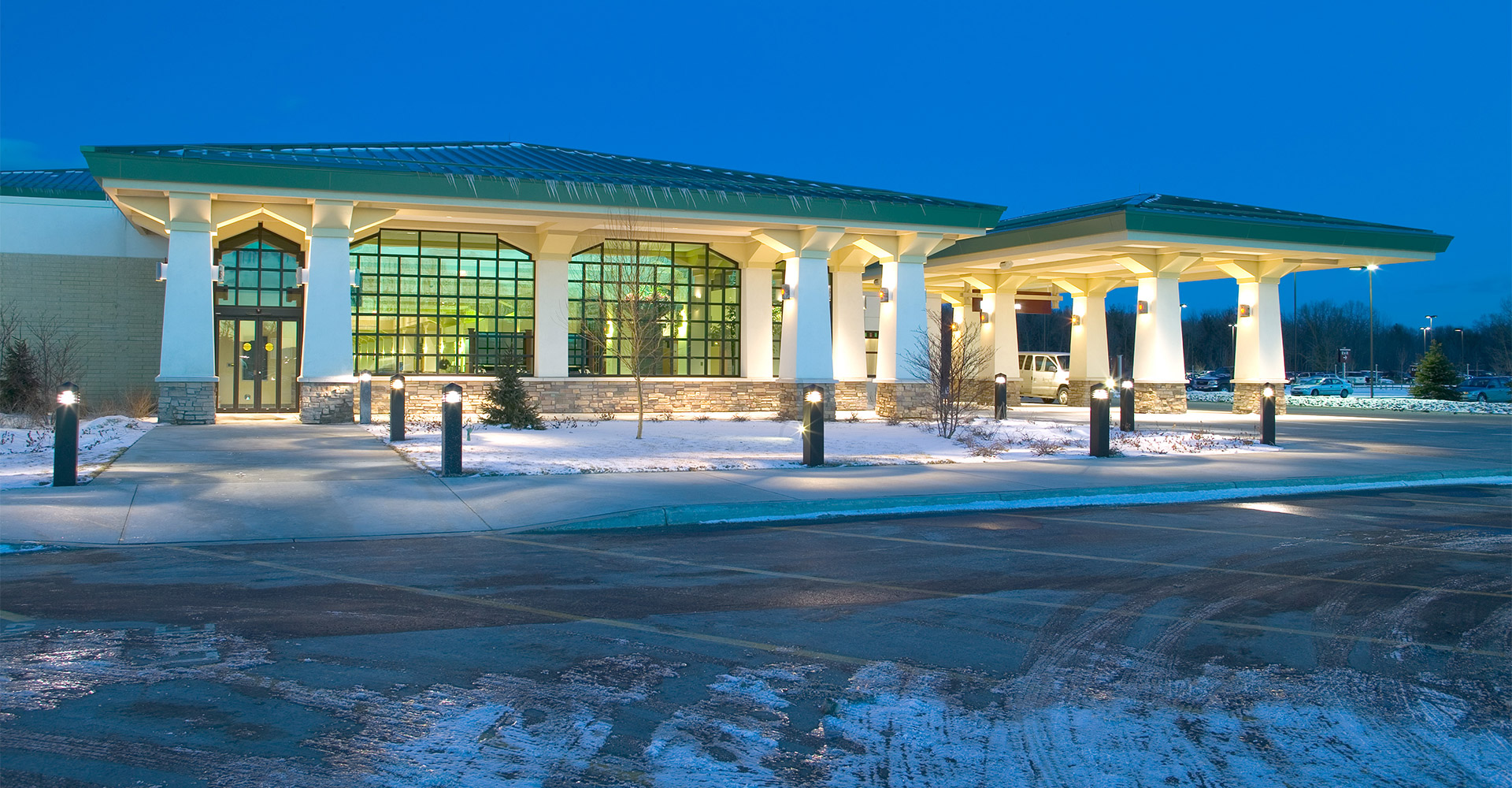 Exterior of Cherry Capital Airport in the snow.