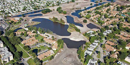 Aerial photo of Arrowhead Golf.