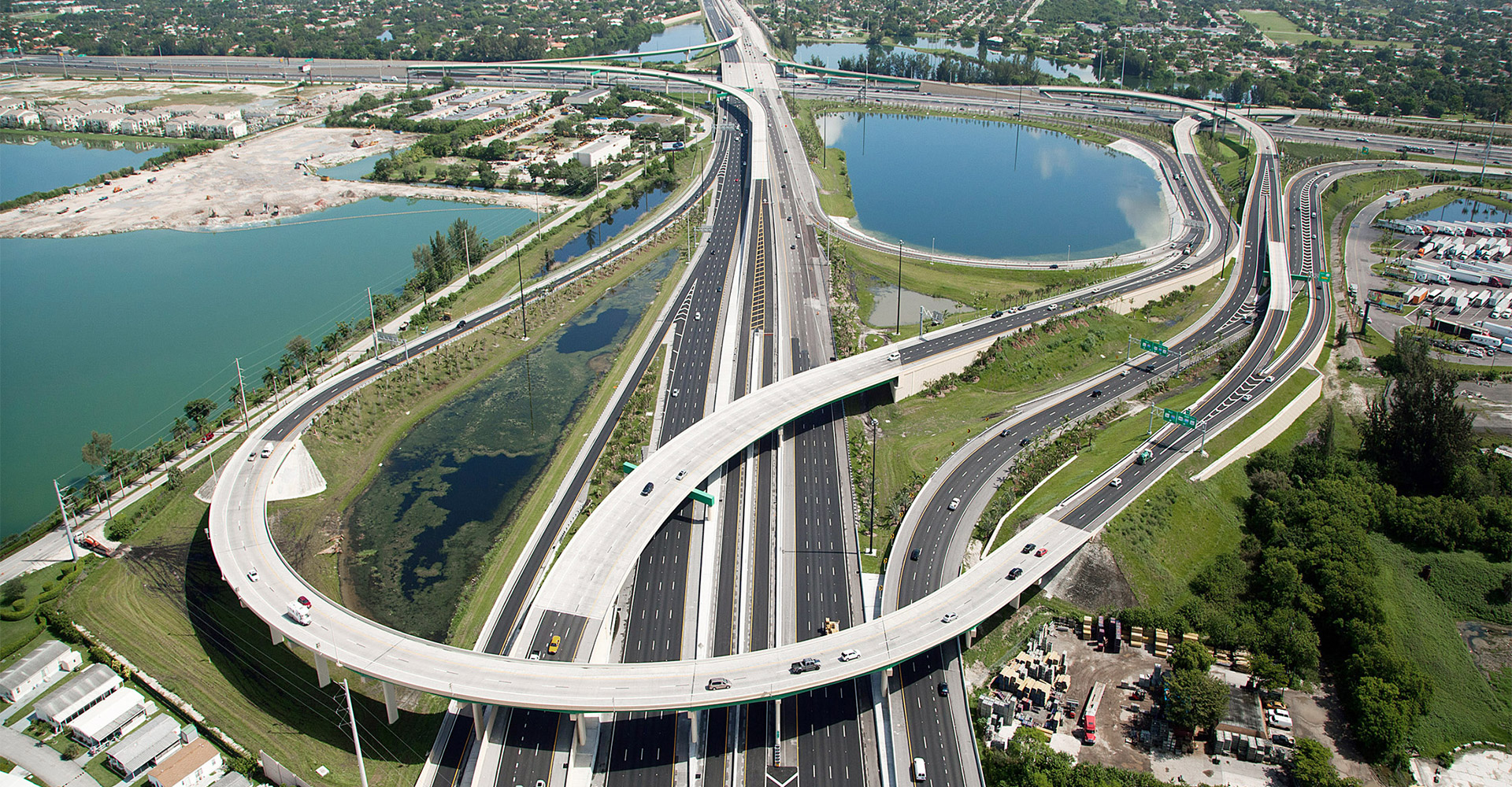 Aerial of I-595.