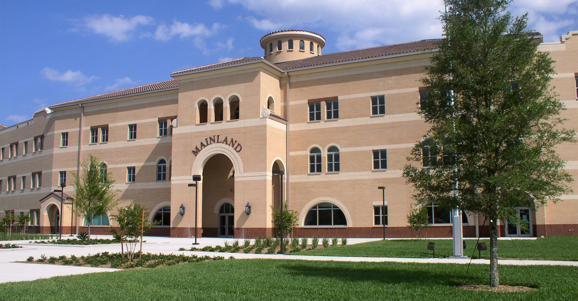 Exterior of Mainland High School.