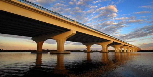 Veterans Memorial Bridge.