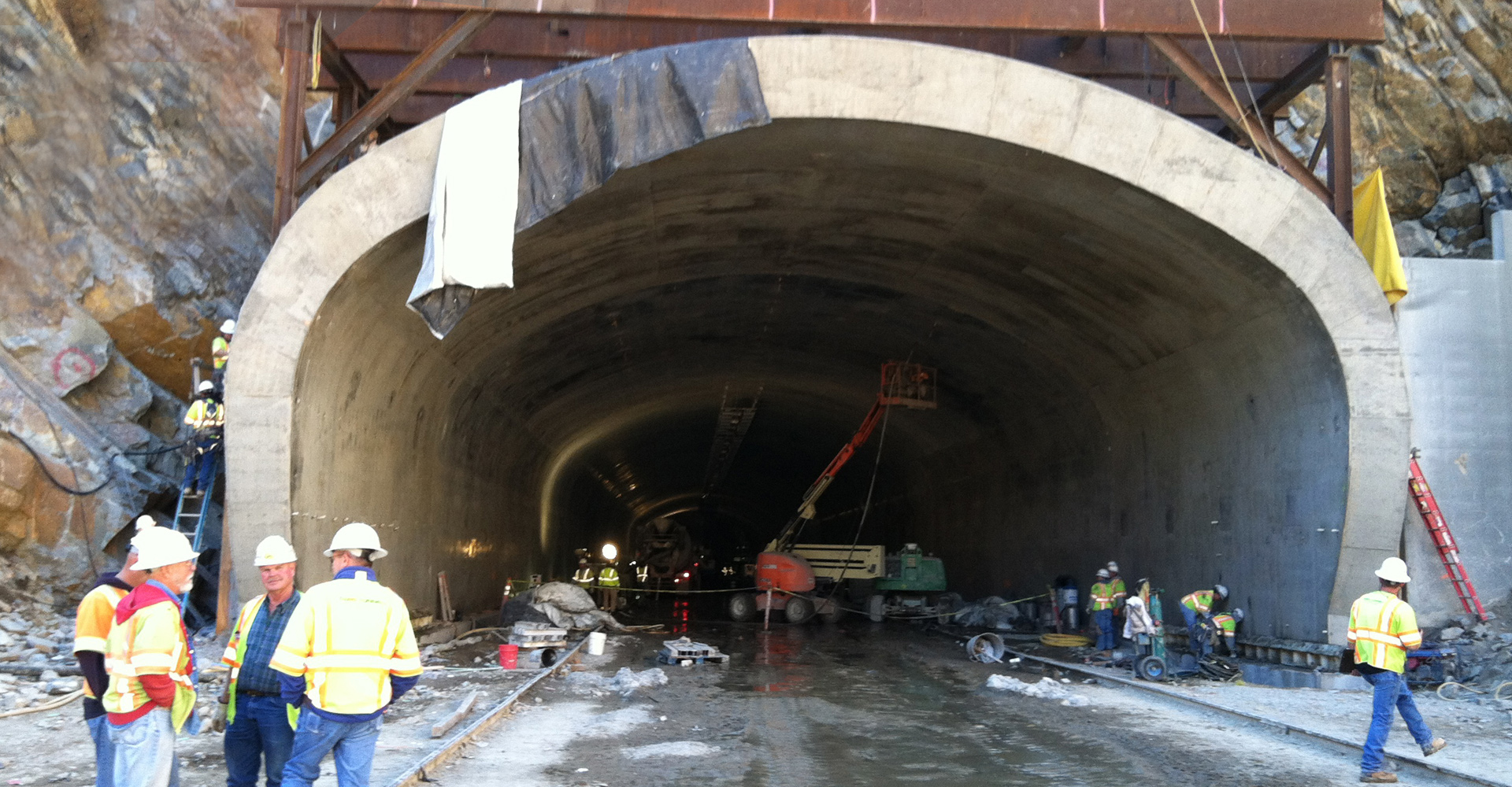 I-70 Twin Tunnels (Veterans Memorial Tunnels).